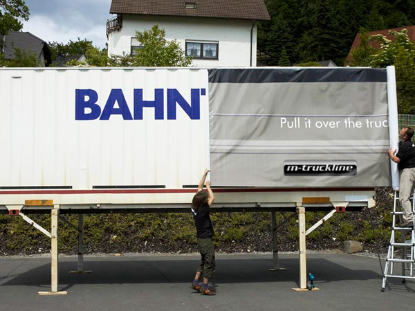m truckline nutzfahrzeugdekore truck design individualdekor lkw dekor fahrerhausdekor. Black Bedroom Furniture Sets. Home Design Ideas